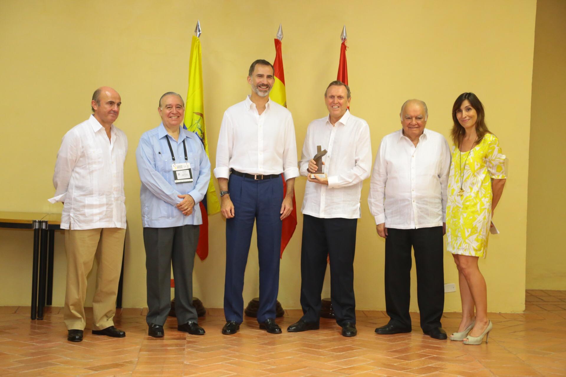 El Rey entrega el 'III Premio Enrique V. Iglesias' al empresario peruano José Graña