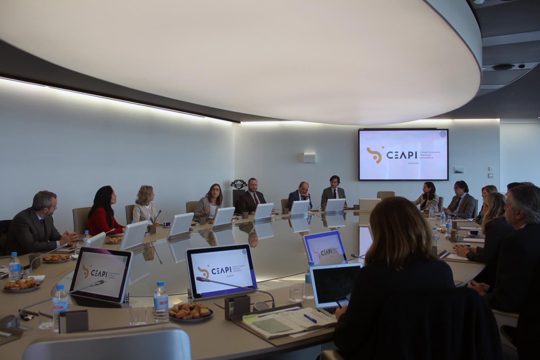 La comisión de comunicación del CEAPI se reúne en Repsol para presentar la nueva organización