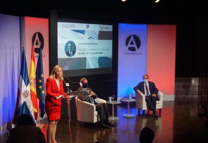 El presidente de República Dominicana, Luis Abinader, alienta a los empresarios españoles a invertir mediante alianzas público-privadas en un marco de estabilidad