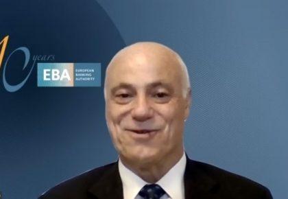 El presidente de la Autoridad Bancaria Europea resalta el papel de la banca en la recuperación post-Covid ante socios de CEAPI