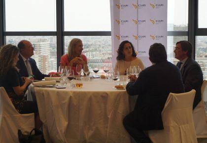 Concha Andreu presenta los proyectos estratégicos de La Rioja en un encuentro empresarial organizado por CEAPI